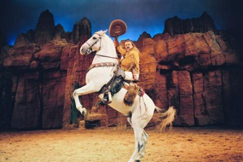 Join 365Tickets and become a pioneer for an evening and take your own cowboy  hat home! Buffalo Bill s Wild West Show b50e02ad03d5