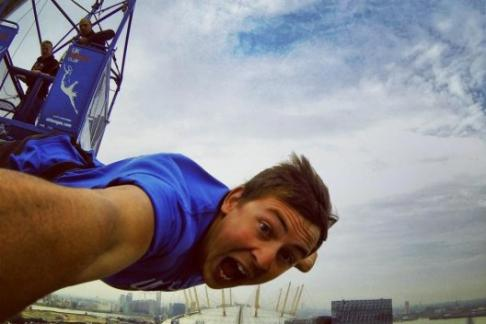 160ft Bungee Jump at The O2 + 1 Big Night Out - London Pub Crawl