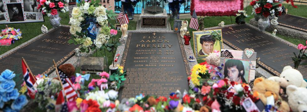 Graceland and Grave of Elvis with tributes